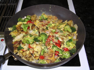 Potato, red pepper, broccoli and onion omelet